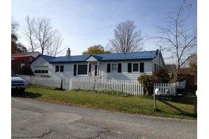 407 Highland St, Elkins, WV 26241