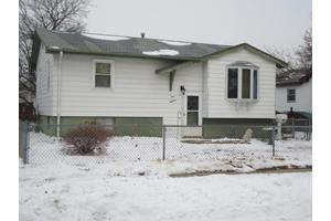 918 Avenue O, Carter Lake, IA 51510