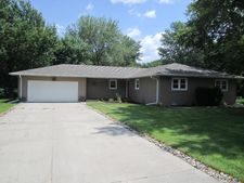 3709 Lakeview Dr, Norfolk, NE 68701