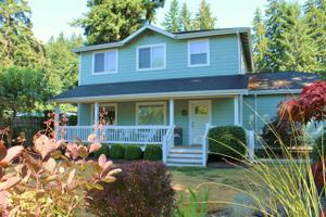 70 NE Wagon Wheel Rd, Belfair, WA 98528