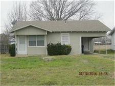 1711 Redwood Dr, Cleburne, TX 76033