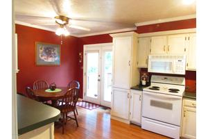 6905 Boxwood Ct, Pewee Valley, KY 40056