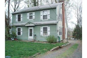 726 Crown St, Morrisville, PA 19067