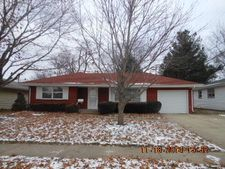 1015 Brookfield Rd, Rockford, IL 61107