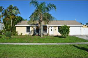 1431 Donwoods Ln, Royal Palm Beach, FL 33411