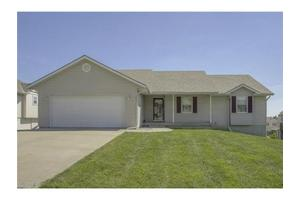 1605 Shelby Dr, Raymore, MO 64083