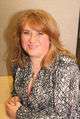 AMANDA                    SCHULZ                    Real Estate Consultant Real Estate Agent