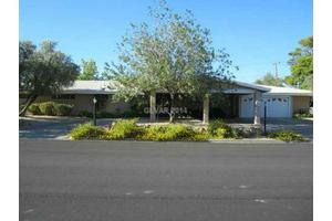 530 E Fairway Rd, Henderson, NV 89015