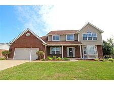 6048 Indian Trace Dr, Fairfield, OH 45011
