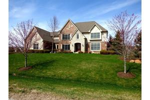 28467 W Harvest Glen Cir, Cary, IL 60013