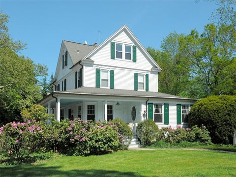 320 Sound Beach Ave, Old Greenwich, CT 06870