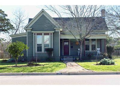 416 Trinity St Lockhart Tx 78644 Public Property