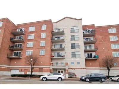 8822 Brookfield Ave Unit 604, Brookfield, IL