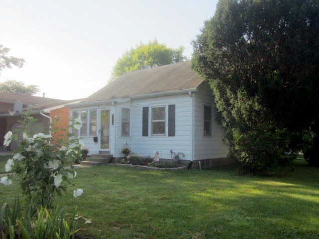 806 22nd Ave, East Moline, IL 61244