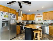 10 Franklin Ave Unit 1, Somerville, MA 02145