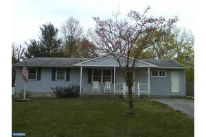 561 Wayne Ave, VINELAND, NJ 08360