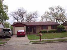 503 Cherokee St, Elm Mott, TX 76640