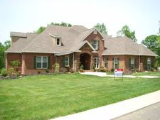 108 Windermere Dr, Russell, KY 41169