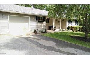2616 W View Dr, Saylorsburg, PA 18353