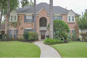 5806 Laurel Caverns Dr, Kingwood, TX 77345