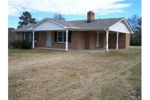 711 Jones Chapel Rd, Norlina, NC 27563
