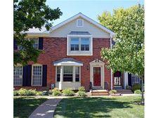 1046 Brooksgate Manor Dr, Kirkwood, MO 63122