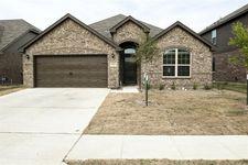 5713 Spirit Lake Dr, Fort Worth, TX 76179