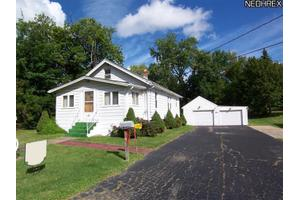 1023 Valley St, Ashtabula, OH 44004
