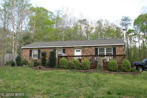 12 Maple Dr, Stafford, VA 22554