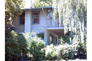 3615 Rogue River Hwy, Gold Hill, OR 97525