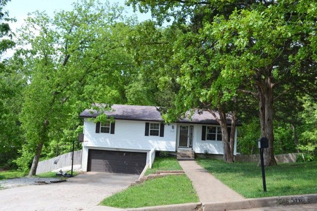 516 holiday dr jefferson city mo 65101 home for sale