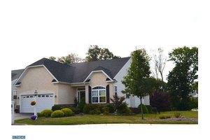 4380 Meadowridge Ln, Collegeville, PA 19426