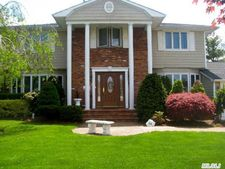 22 Williams Dr, Massapequa Park, NY 11762