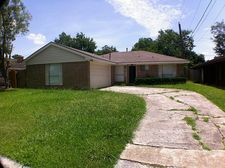 15302 E Westwood Cir, Houston, TX 77071