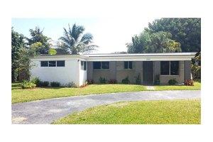 1084 Raven Ave, Miami Springs, FL 33166