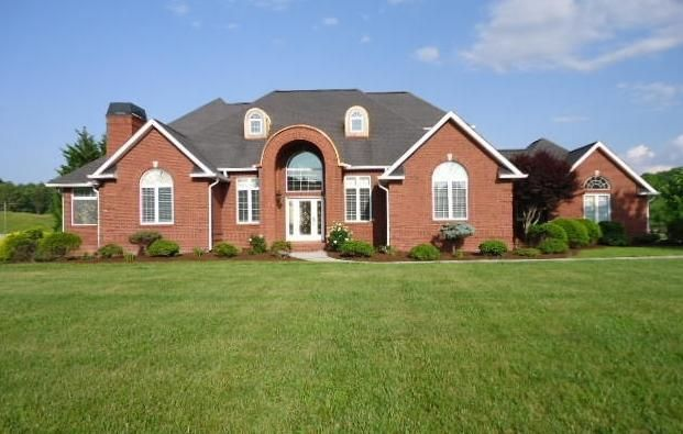 3040 Hodges Landing Dr, Knoxville, TN 37920