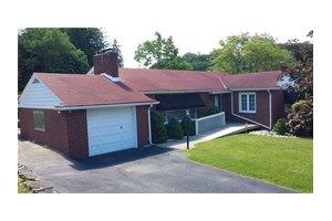 11 Weber Rd, Hempfield Township Wml, PA 15644
