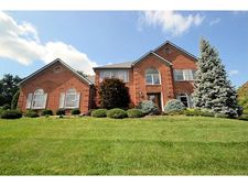 7956 Bennington Dr, West Chester, OH 45241