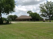 3071 State Highway 111 N, Edna, TX 77957