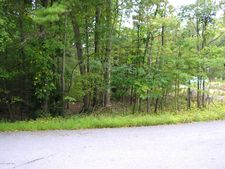 Golden Slipper Rd, Bartonsville, PA 18321