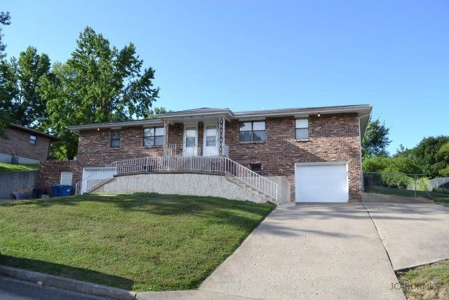 2113 louis cir jefferson city mo 65101 home for sale