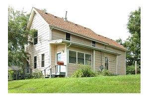412 Hendee St, Elgin, IL 60123