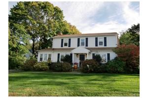 93 Rockledge Dr, Stamford, CT 06902