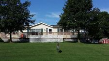 105 N Valley St, Delta, IA 52550