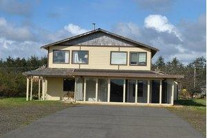 1042 Point Brown Ave SE, Ocean Shores, WA 98569