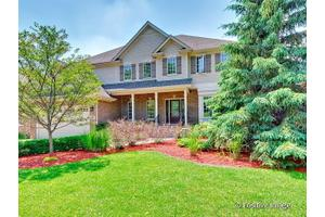 31 E 56th St, Westmont, IL 60559