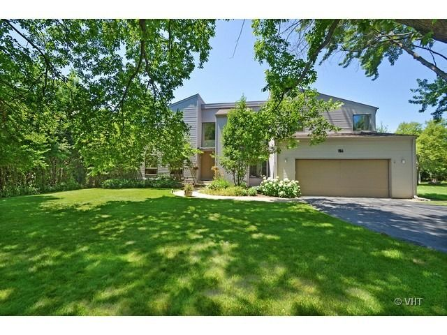 156 Barberry Rd Highland Park IL 60035