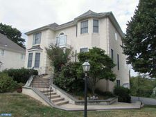 1020 Riverview Ln, West Conshohocken, PA 19428