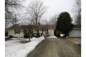 50175 Maurice Rd, Chesterfield Twp, MI 48047