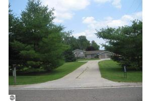 6713 S Crawford Rd, Mt Pleasant, MI 48858